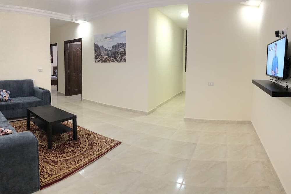 Apartment, 3 Bedrooms, Valley View - Living Area
