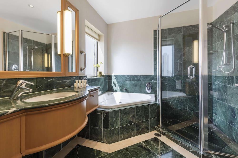 Apartment, 1 Bedroom, Ocean View (No Housekeeping) - Bathroom
