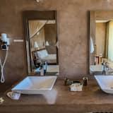 標準雙人房 (Electricity available 5-9 AM  6-10 PM) - 浴室淋浴