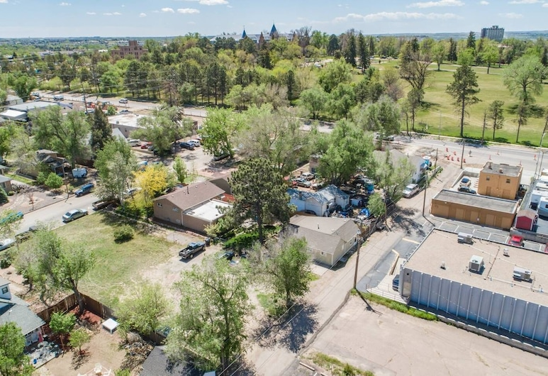 2 Bdolympic Trainingnear Parks, A Lake, Downtown, Colorado Springs, Property Grounds
