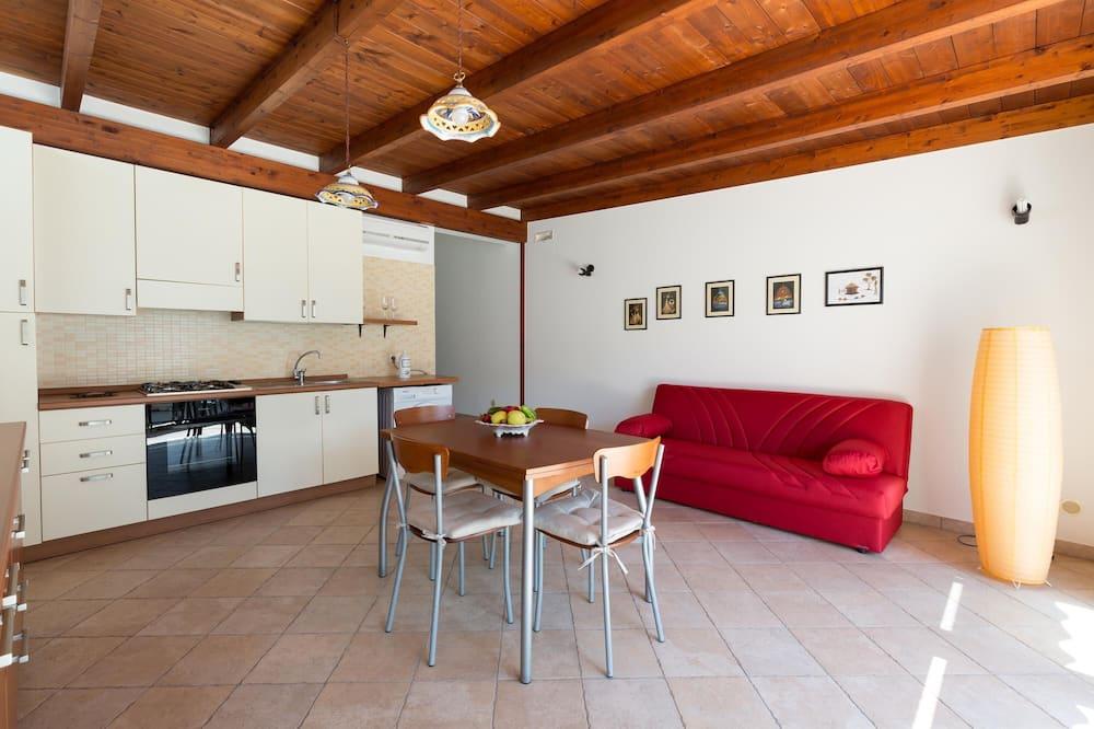 Basic House, 2 Bedrooms - Ruang Tamu