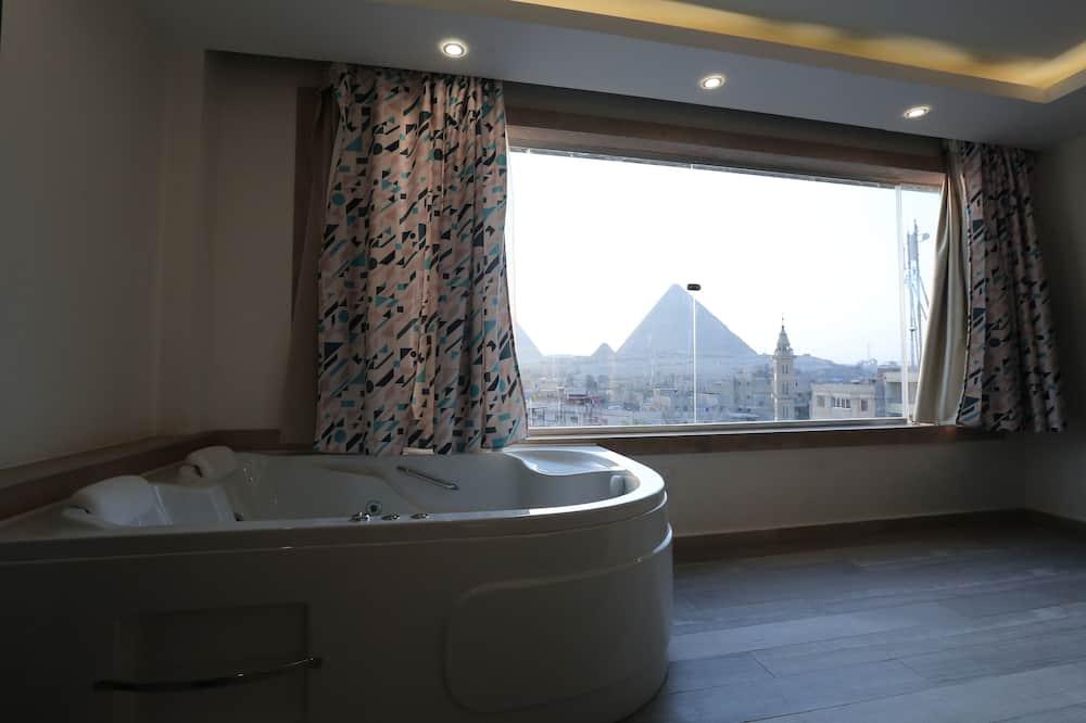 Suite Exclusive (Edgy Suite with jacuzz, Pyramids view) - Bain à remous privé