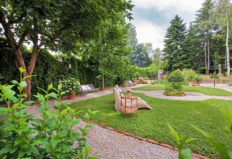 Villa Albengo B&B di Charme Alta Langa, Mondovi, Garden
