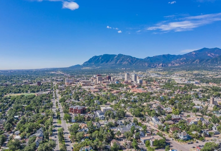 Downtown Practical & Pet-friendly Easy & Sensible, Colorado Springs, Ārpuse