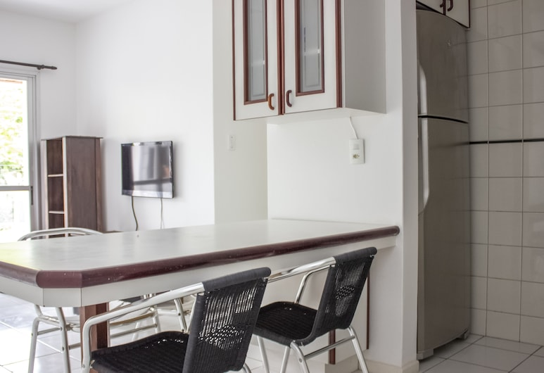Apto bem localizado c/ churrasqueira SBS111, Florianopolis, Junior apartman, kilátással a városra, Étkezés a szobában