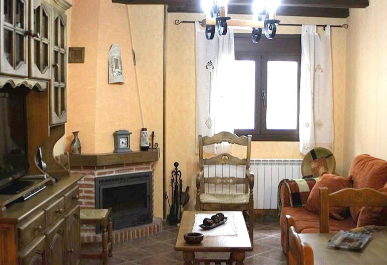 House With 2 Bedrooms in Hueva, With Wonderful Mountain View, Уева