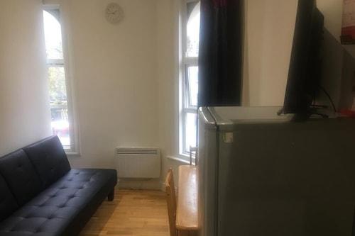 オーバルに近いスマートな1ベッドルームアパートメント/