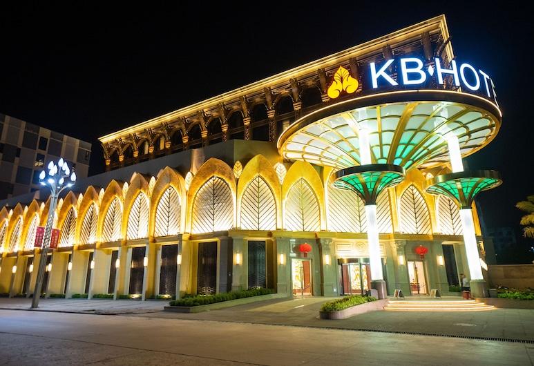 KB Hotel, Sihanoukville, חזית המלון - ערב/לילה