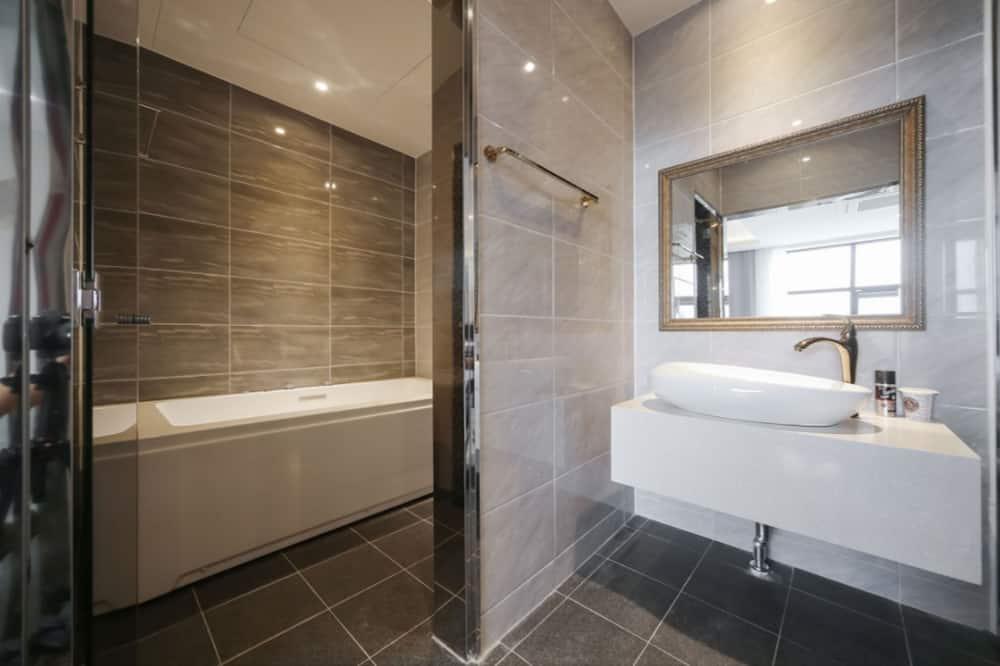 Pokoj se dvěma jednolůžky (Suite) - Koupelna