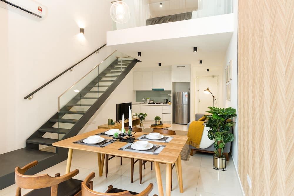 Deluxe Loft Studio - In-Room Dining