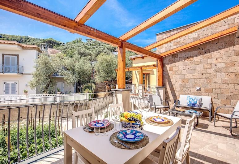 Chez Carme, Sorrento, Apartment, 3 Bedrooms, Terrace/Patio