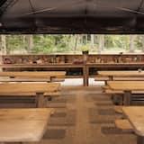 Standard Tent - Shared kitchen