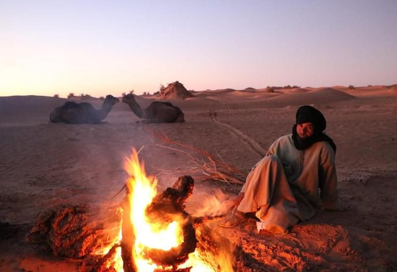 Desert Waves, M'Hamid El Ghizlane, Okolica objekta