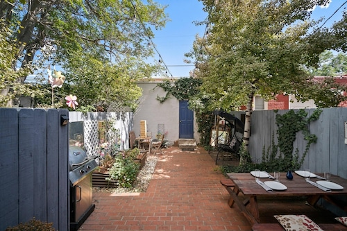 Book 3br House With Patio Near Cap Hill In Denver Hotels Com