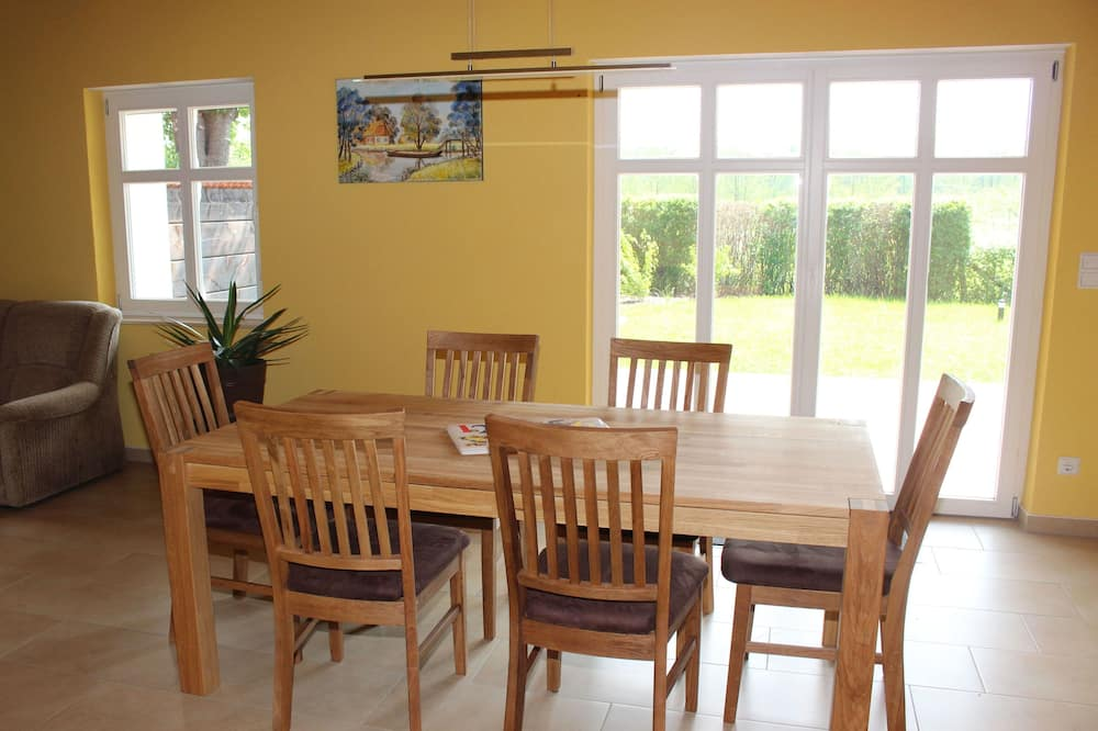 Panoramic Apartment, 2 Bedrooms, Garden View - In-Room Dining