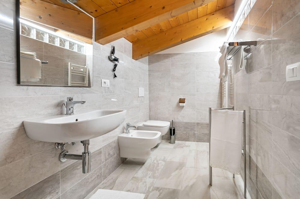 Prabangaus stiliaus kambarys, 2 miegamieji (3) - Vonios kambarys