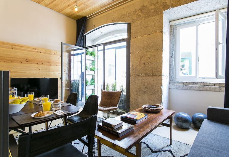 ALTIDO Charming Santa Catarina Apartment, Lisbon, Apartment (1 Bedroom), Living Room
