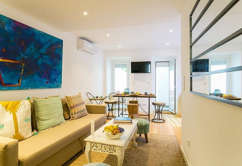 ALTIDO Graca Patio, Lisbon, Apartment (1 Bedroom), Living Room