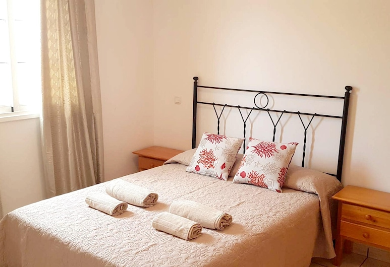 Apartment With one Bedroom in Corralejo, With Shared Pool, Furnished Terrace and Wifi, La Oliva, Apartment, Garden View, Room