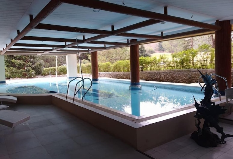 Whitehouse of the Lord of Scents, Baguio, Indoor/Outdoor Pool