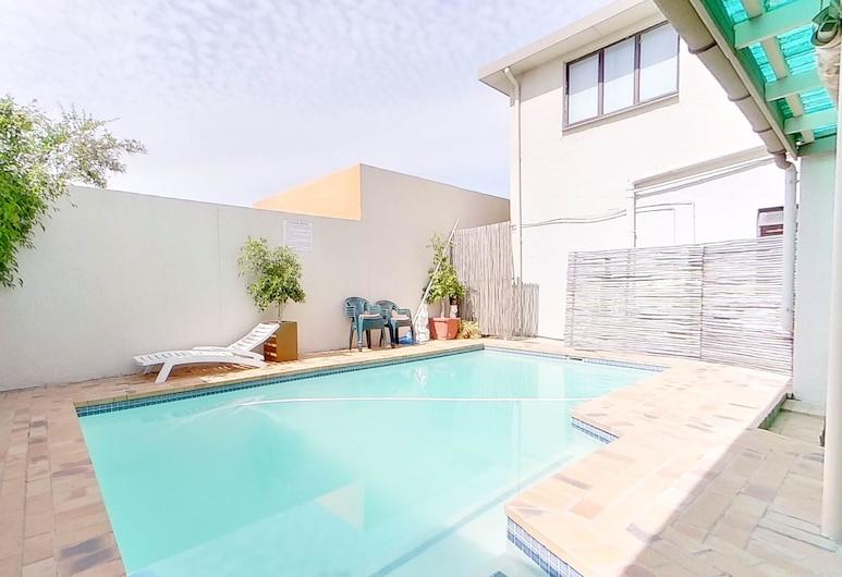 Executive Couples Suite Strand, Cape Town