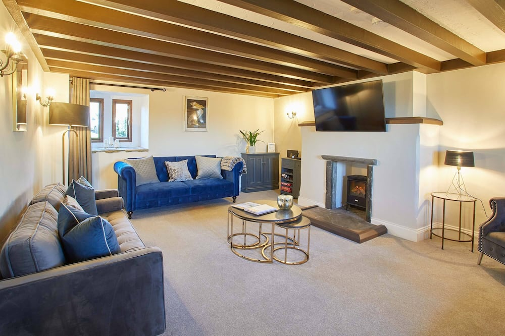 The Coach House - Living Room