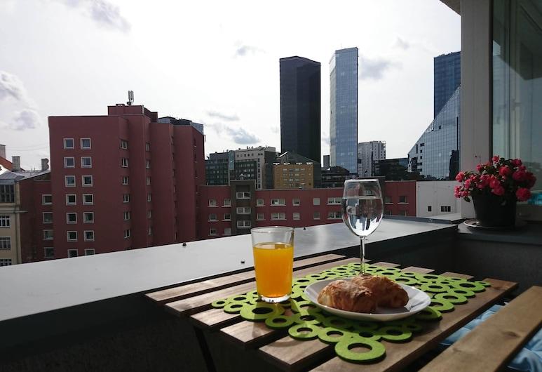 City Center Raua Apartment with Balcony, Tallin, Apartmán typu Comfort, dvojlůžko (180 cm) a rozkládací pohovka, výhled na město, Balkón