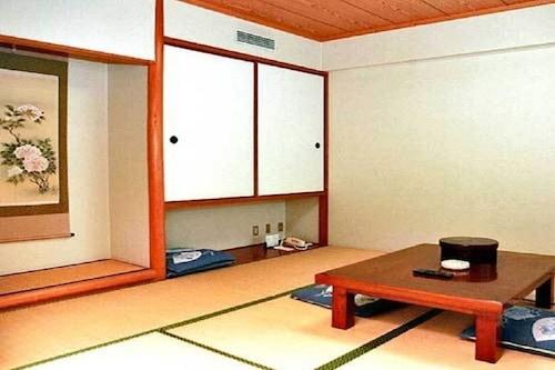 禁煙和室8畳+踏込み(3畳)(2〜4名)全室WiFi対応
