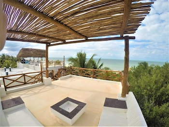 Enter your dates to get the Isla Holbox hotel deal