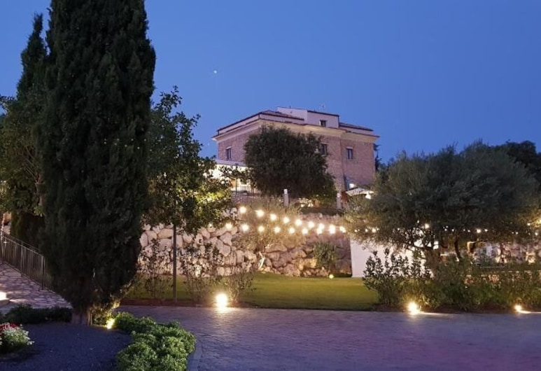 Hotel Villa Flora Relais, Caltanissetta