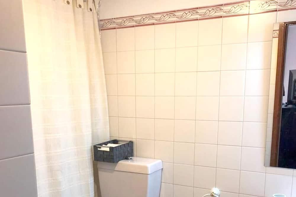 Apartment, City View - Bathroom