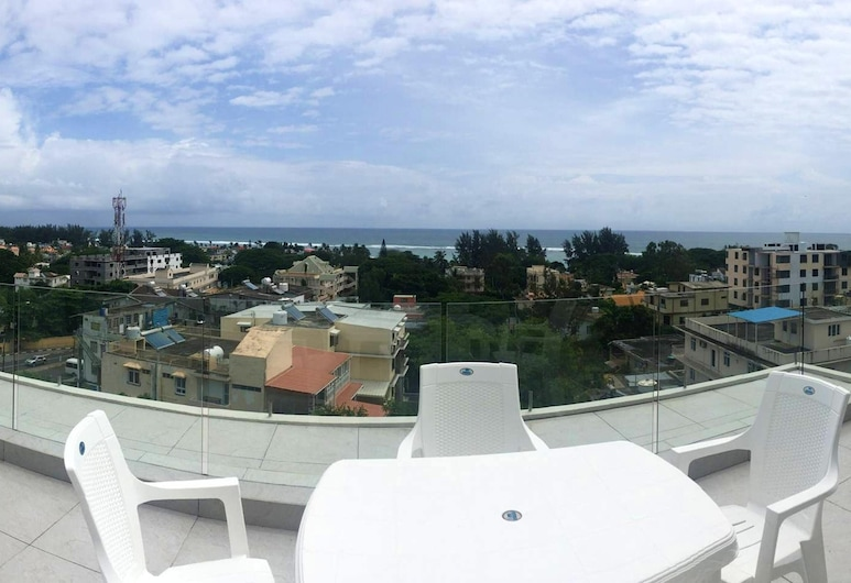 Apartment With 2 Bedrooms in Flic en Flac, With Wonderful sea View, Shared Pool, Enclosed Garden, Flic-en-Flac