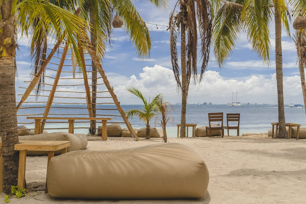 Superior Double Room, 1 King Bed, Private Bathroom - Beach