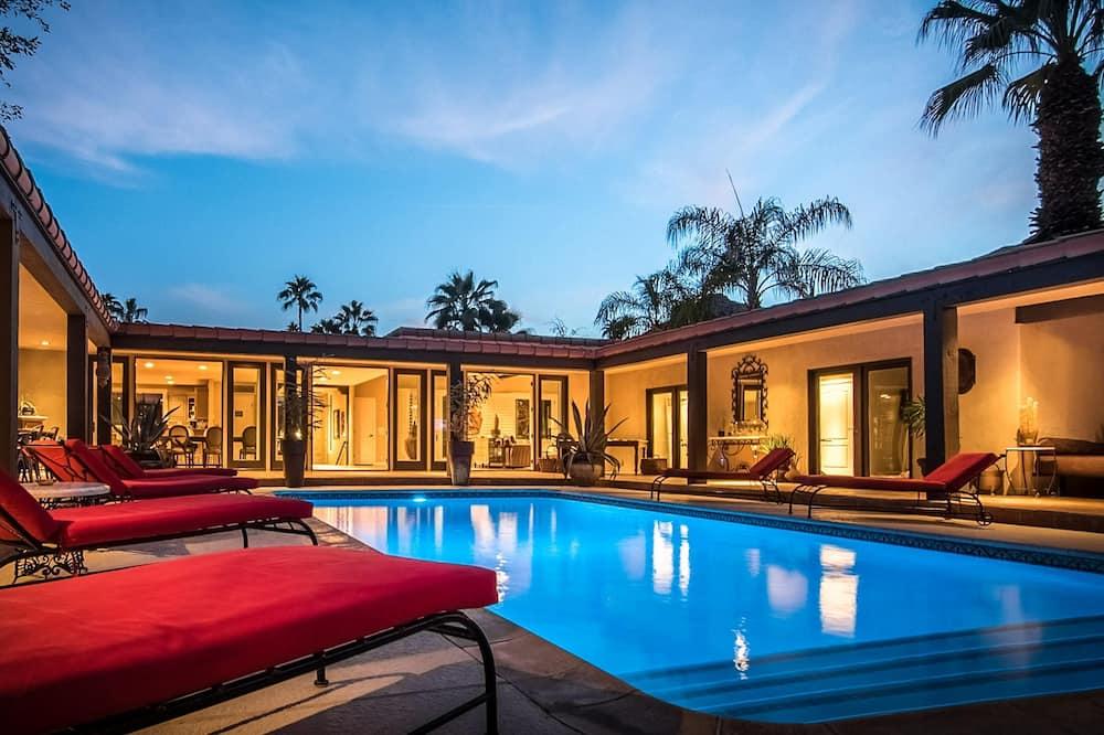 Nhà, Nhiều giường (Villa Carmelita - The Sonny & Cher Ho) - Hồ bơi