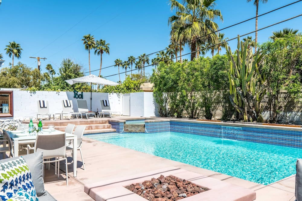 House, Multiple Beds (Old Blue Eyes) - Pool