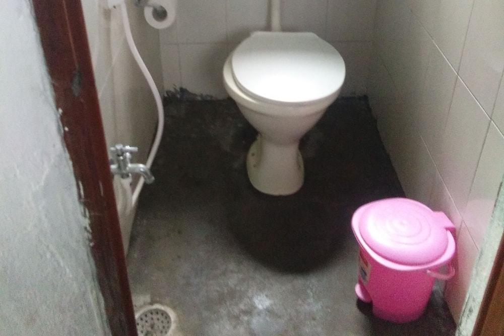 Deluxe Tent - Bathroom