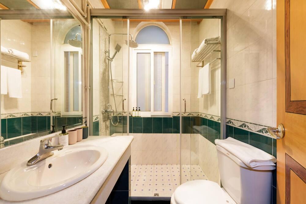 Chambre Quadruple Classique - Salle de bain
