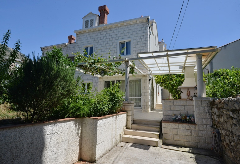 Villa Elly Apartments, Dubrovnik, Garden