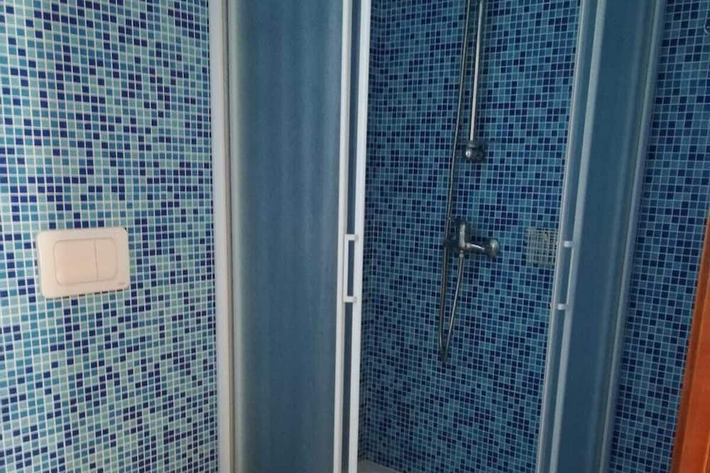 Double Room (Blu) - Bathroom