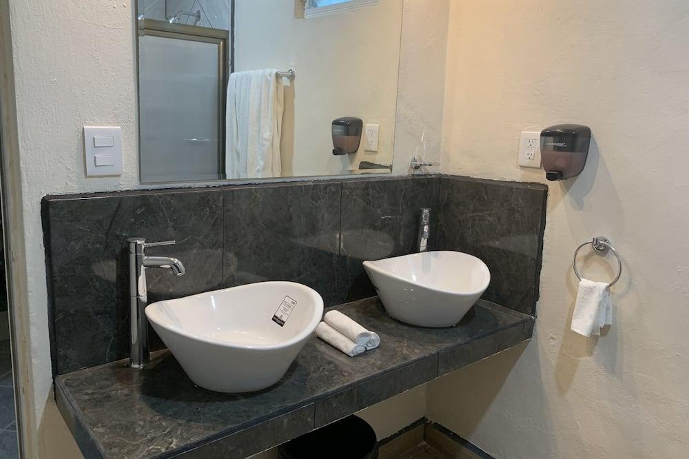 经典开放式客房 - 浴室