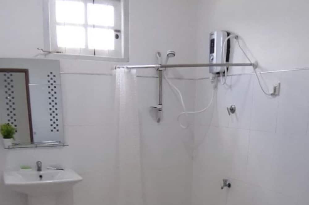 豪华客房 - 浴室