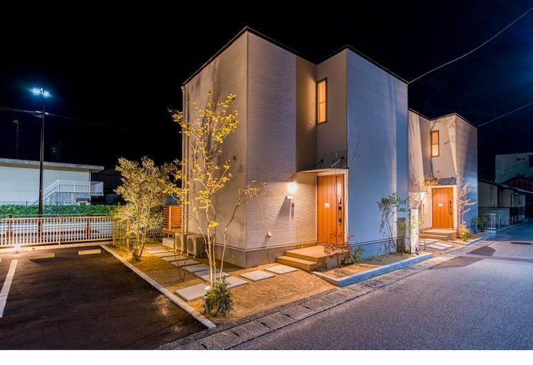 Rakuten STAY HOUSE x WILLSTYLE Haginishitamachi, האגי, חזית הנכס - ערב