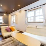 3 Bedrooms House - Living Room