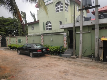 Picture of Greenland Suites in Lagos