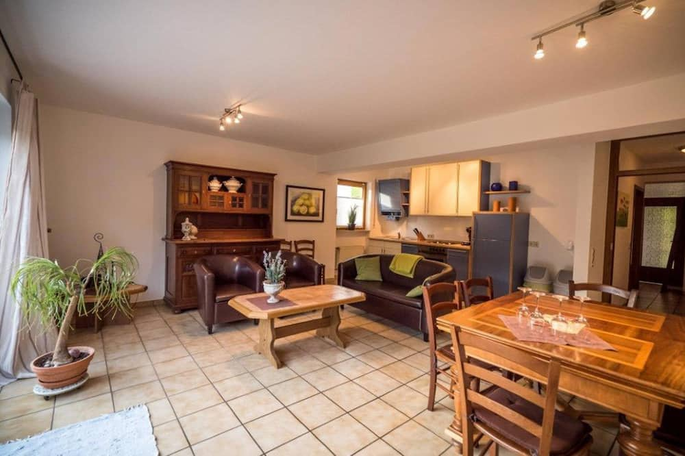 Apartment (Würzgarten) - Living Area