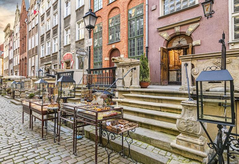 Maya's Flats & Resorts-Old Town Mariacka, Gdansk, Fasaden på overnattingsstedet