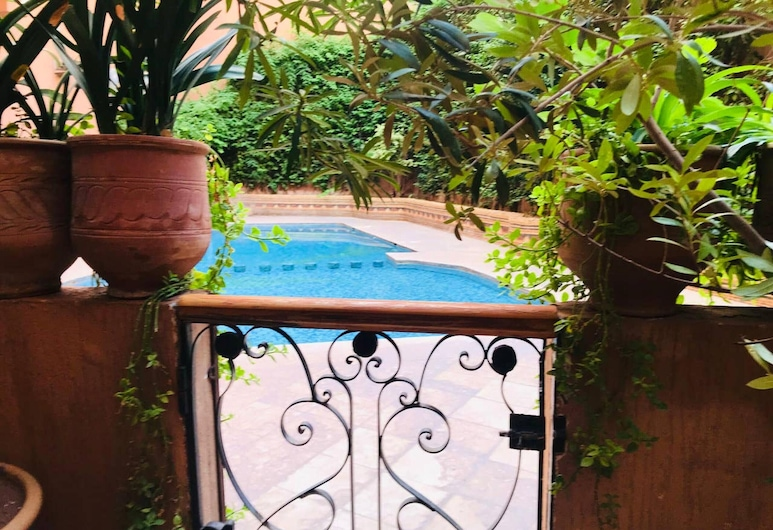 Apartment With 2 Bedrooms in Marrakech, With Shared Pool, Furnished Terrace and Wifi, Marrakech, Vườn