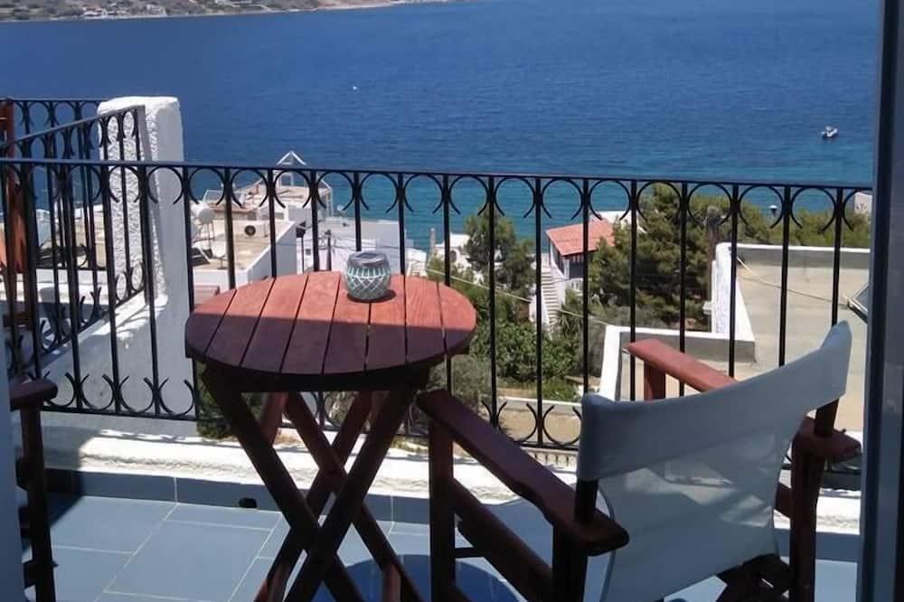 Elenis Studios & Apartments