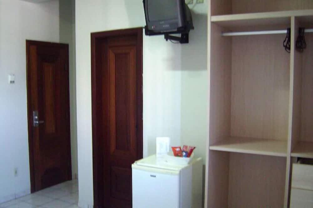 Habitación con 2 camas individuales - Televisión