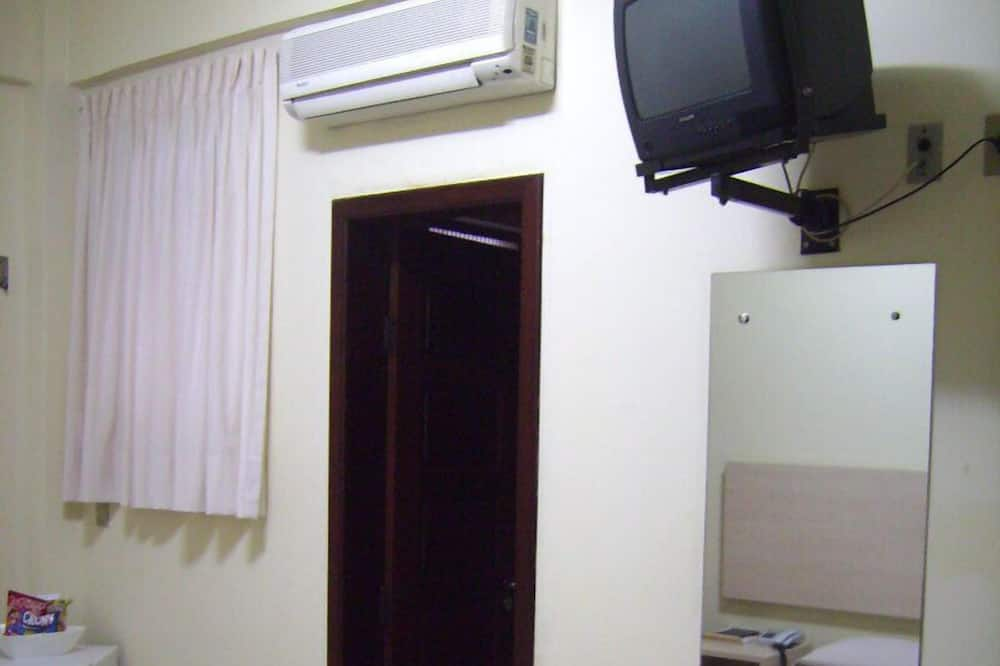 Double Room - Television